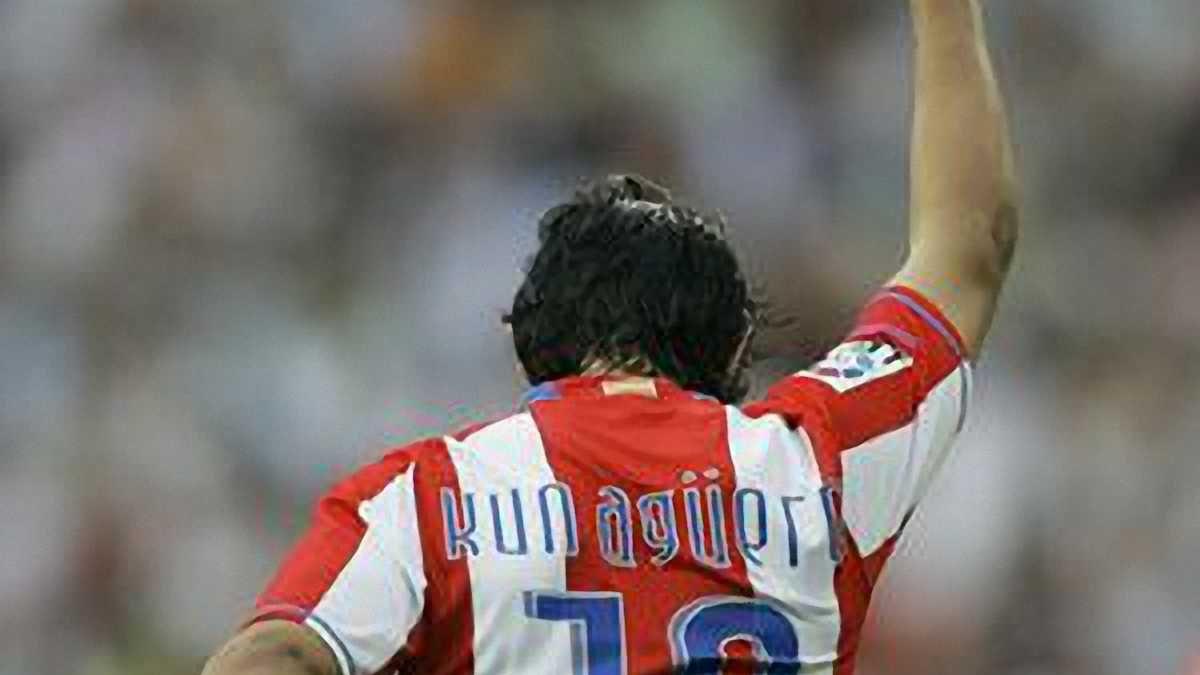"""Озіл: У """"Реалі"""" на Агуеро чекає футболка із десятим номером"""
