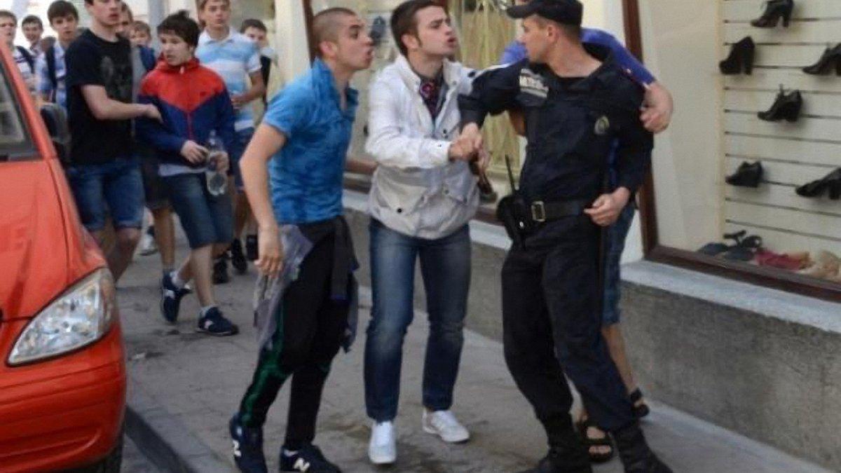 """Президент """"Карпат"""" накинувся на міліціонера? ФОТО"""