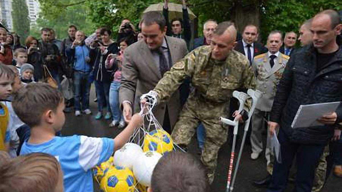 Воїни АТО взяли участь у вшануванні загиблих футболістів (ФОТО)