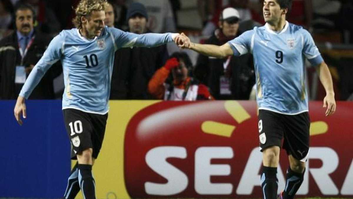 Форлан: Уругвай должен научиться играть без Суареса