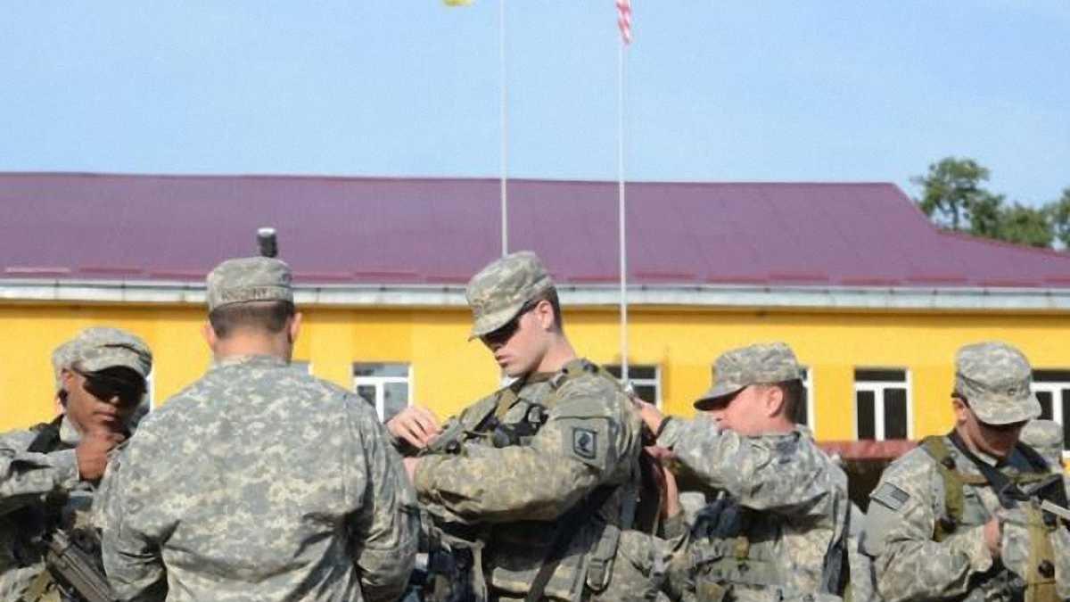 """Американские военные посетили матч """"Карпаты"""" - """"Черноморец"""""""