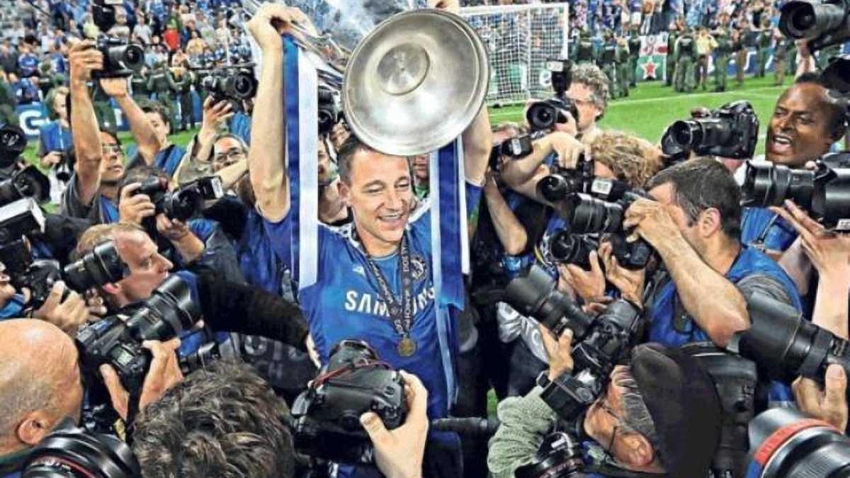 Терри показал все свои трофеи по случаю миллиона подписчиков в Инстаграм (ФОТО)