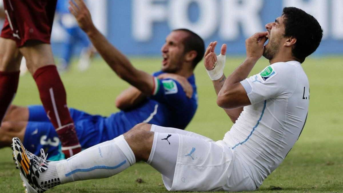 Из-за коррумпированных чиновников ФИФА Суаресу могут позволить сыграть на Копа Америка