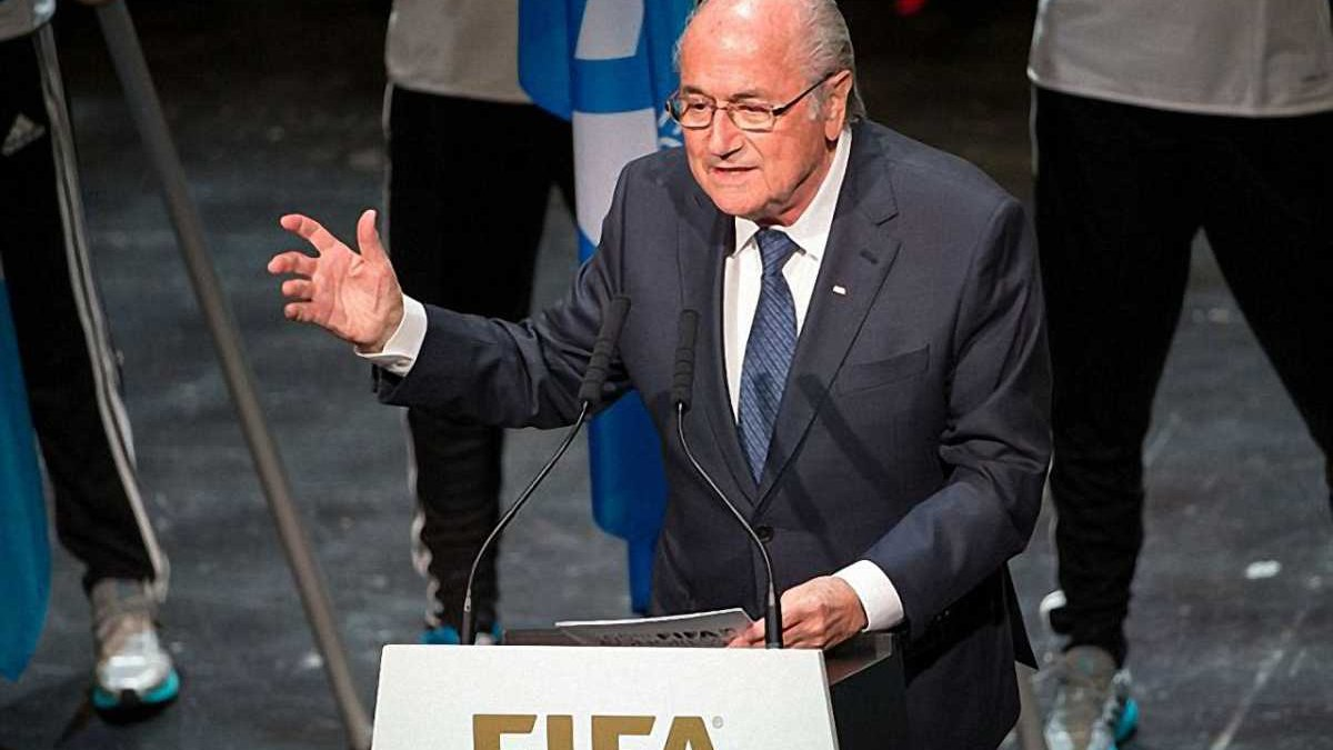 Дві палестинки зірвали промову Блаттера на конгресі ФІФА (ФОТО)