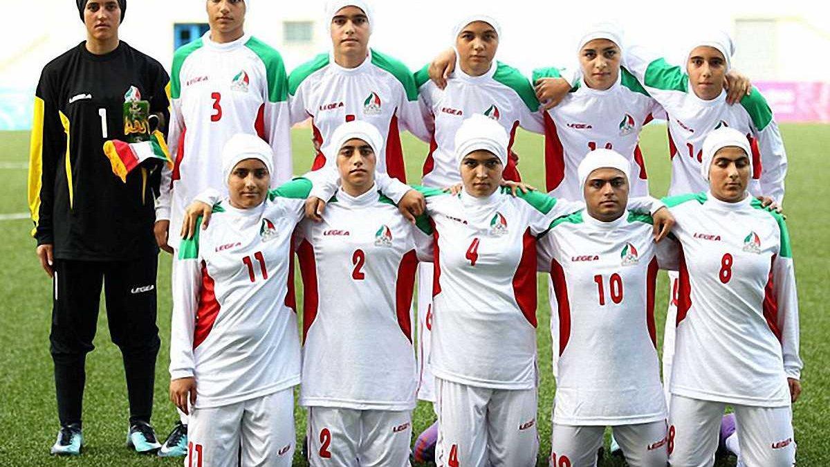 В составе женской сборной Ирана оказалось 8 мужчин, желающих сменить пол