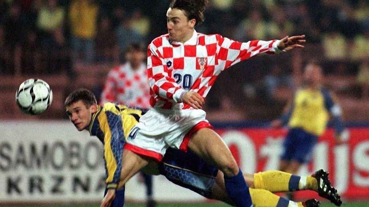 Який з моментів привів до найвидатнішого повороту в історії українського футболу? Опитування