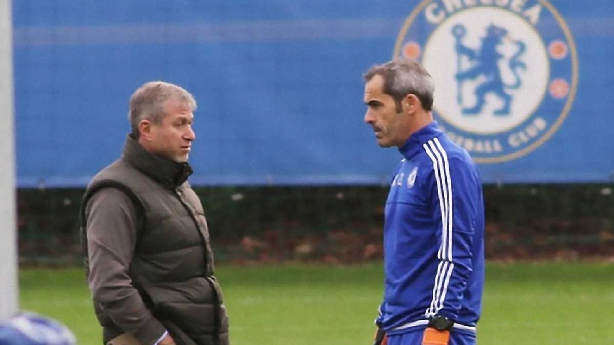 "Абрамович заявил, что Хиддинк возглавит ""Челси"", - Telegraph"