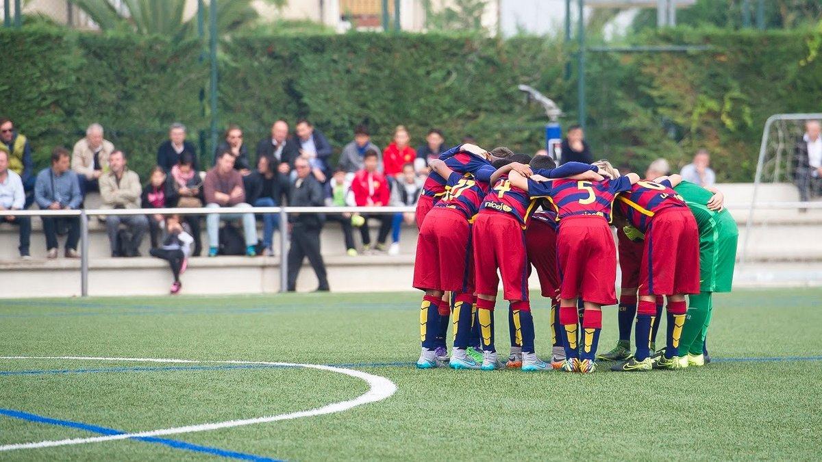 """Руководство """"Барселоны"""" U-12 не позволяло игрокам фотографироваться с Раулем"""