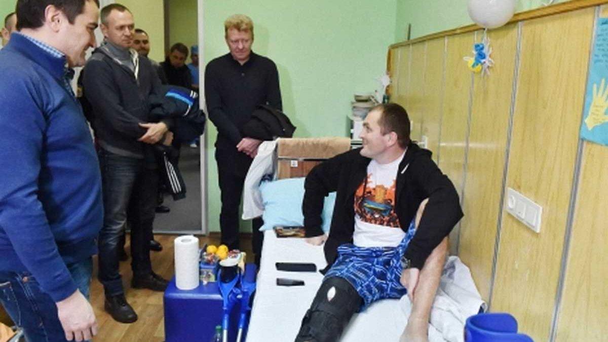 Павелко, Головко та Кузнєцов привітали в госпіталі українських воїнів з новорічними святами (ФОТО)