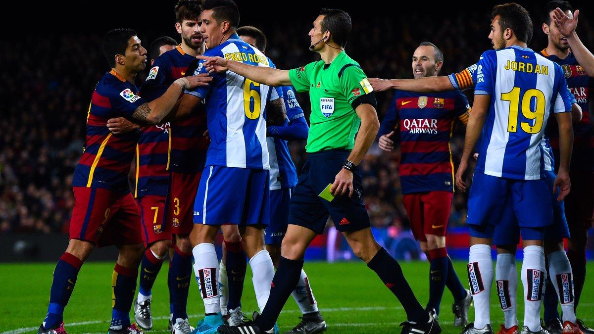 """Игроки """"Барселоны"""" и """"Эспаньола"""" подрались в тоннеле, потому что Суарес назвал соперников ублюдками"""