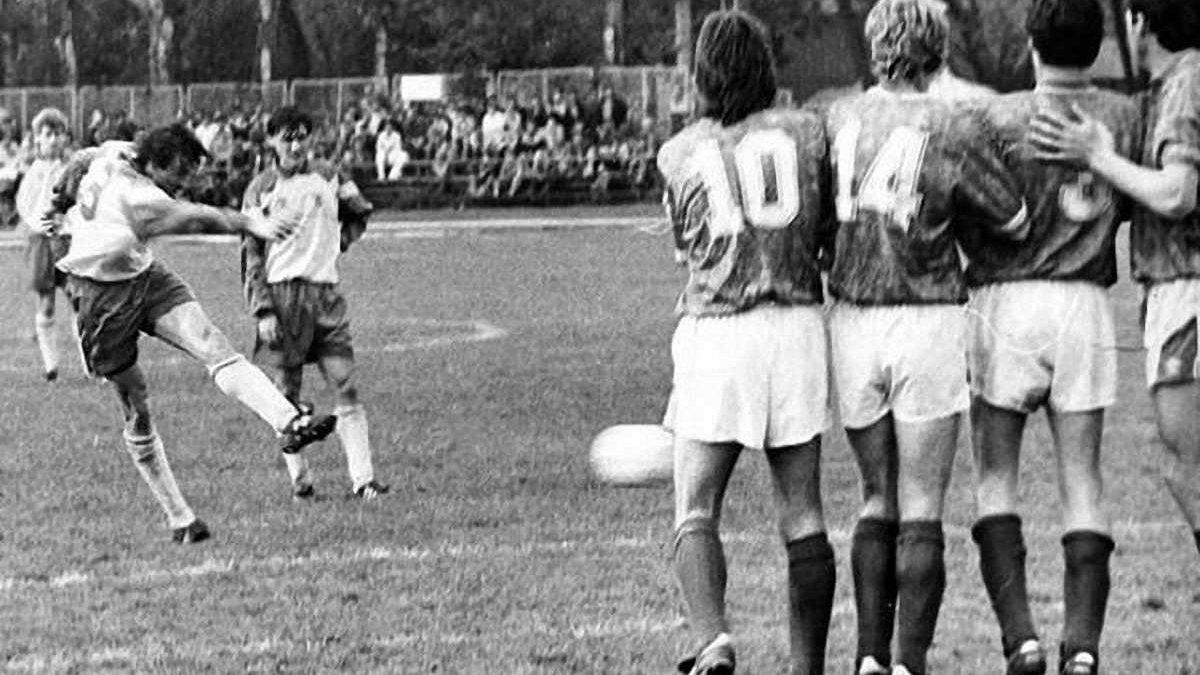 Ретро дня: дебютный в истории матч сборной Украины и первый забитый гол