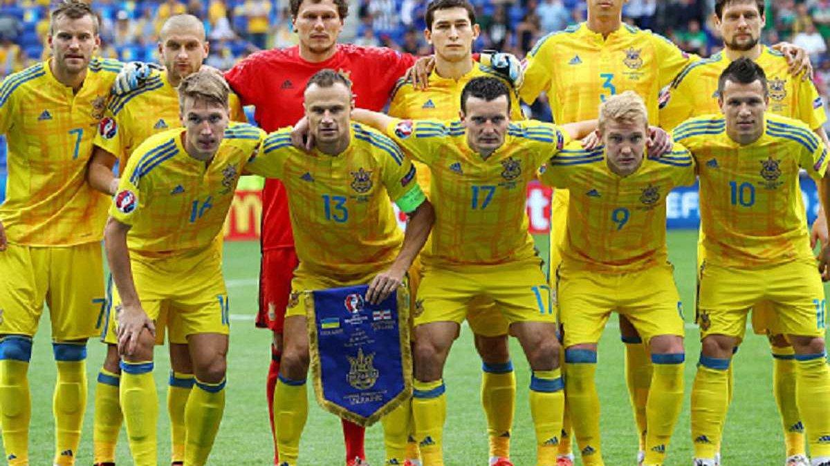 Топ-новини: Україна втратила 11 позицій у рейтингу ФІФА, Ротань веде переговори з клубами АПЛ