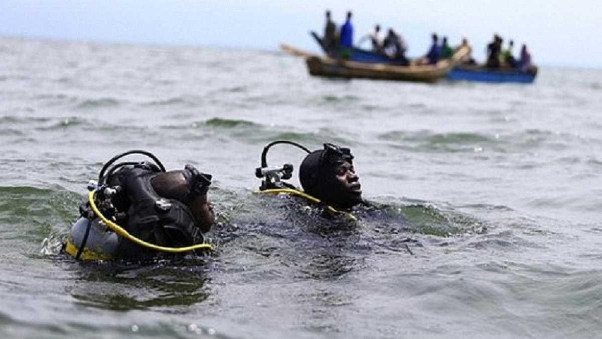 В Уганде затонуло судно с футболистами и болельщиками