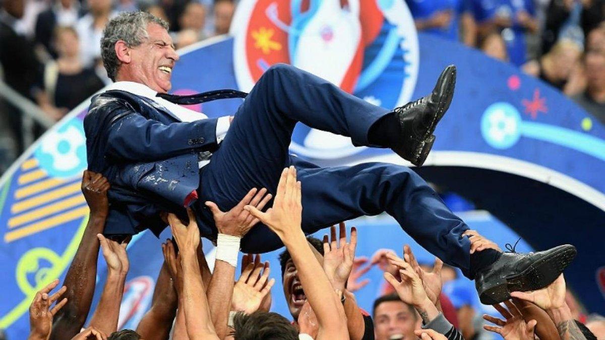 Сантуш – найкращий тренер національних збірних за версією IFFHS