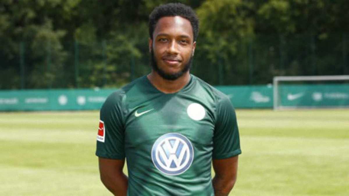 Вольфсбург оштрафував свого гравця Хайндса через те, що той загубив паспорт
