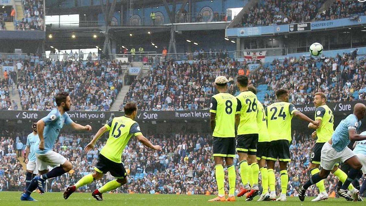 Манчестер Сити разбил Хаддерсфилд, Уотфорд уверенно победил Бернли