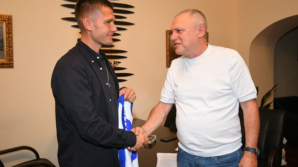 Динамо официально подписало полузащитника Митьюлланда Дуелунда