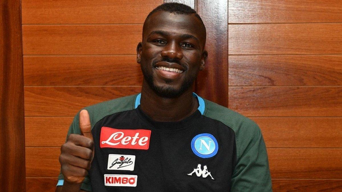 Манчестер Юнайтед веде перемовини з Наполі щодо трансферу Кулібалі