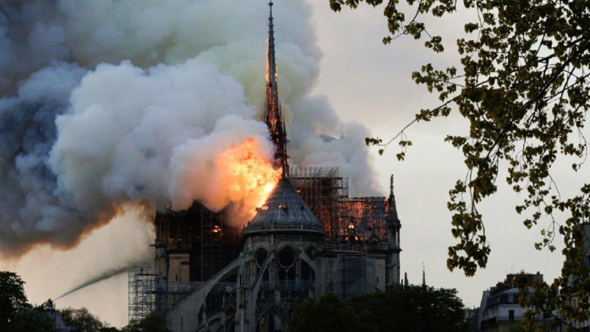 ПСЖ пообіцяв допомогти з відновленням собору Нотр-Дам де Парі