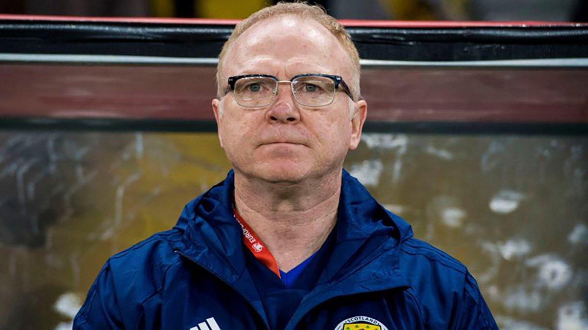 Збірна Шотландії залишилась без тренера