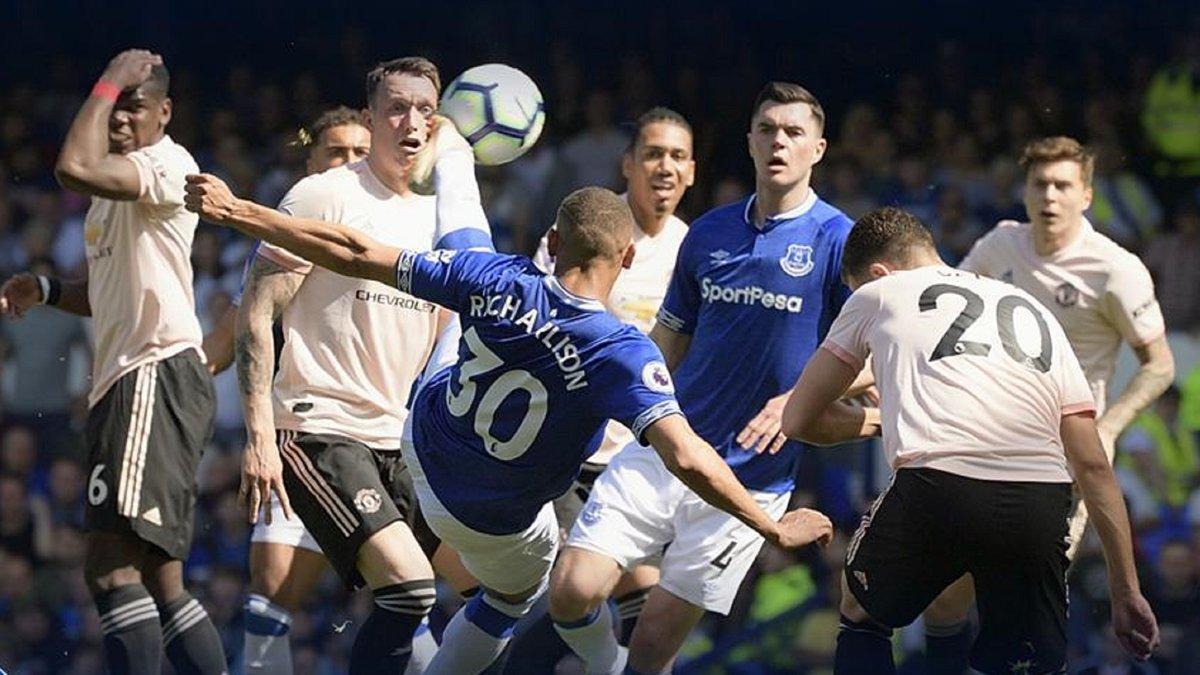 Ришарлисон отличился крутым голом через себя в воротах Манчестер Юнайтед