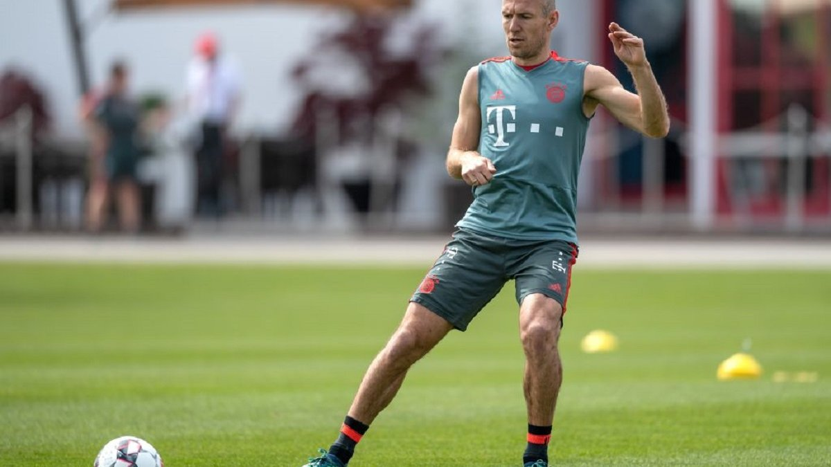 Роббен возобновил тренировки в общей группе Баварии – он не играл с ноября прошлого года