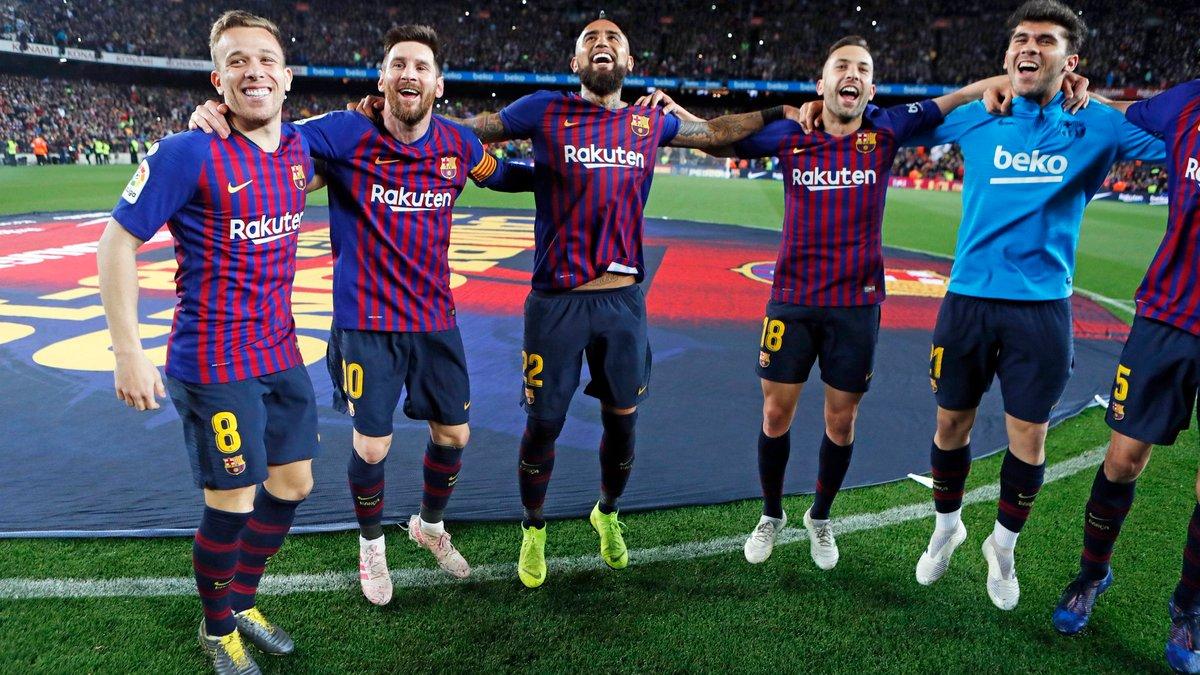 Главные новости футбола 27 апреля: Барселона – чемпион Испании, БД потерпела роковое поражение, Ребров покорил Венгрию