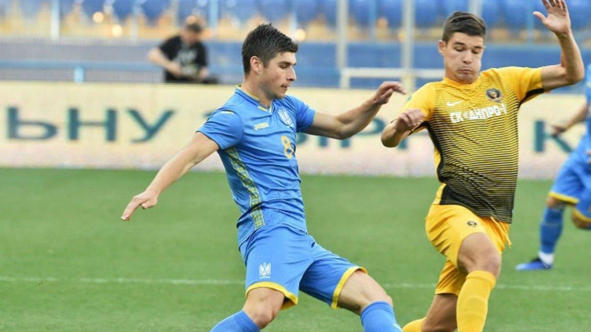 Сборная Украины обыграла СК Днепр-1 в контрольном матче благодаря дублю Яремчука