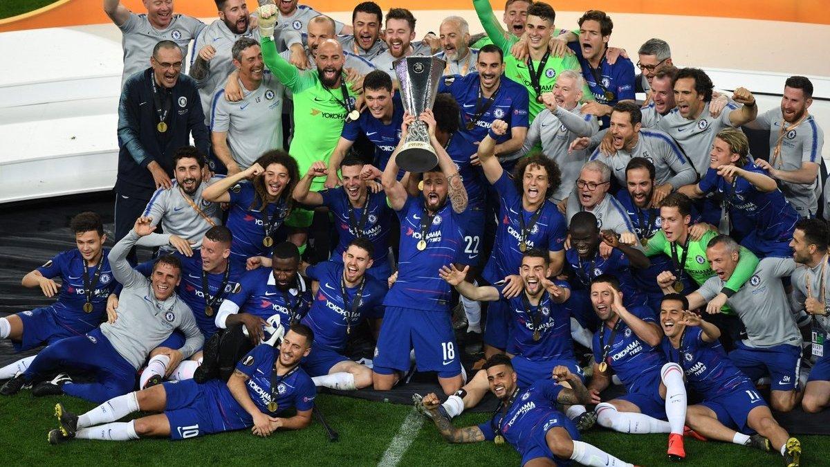 Травмований Рюдігер запалює, а трофей Ліги Європи піднімають одразу двоє: відео нагородження Челсі