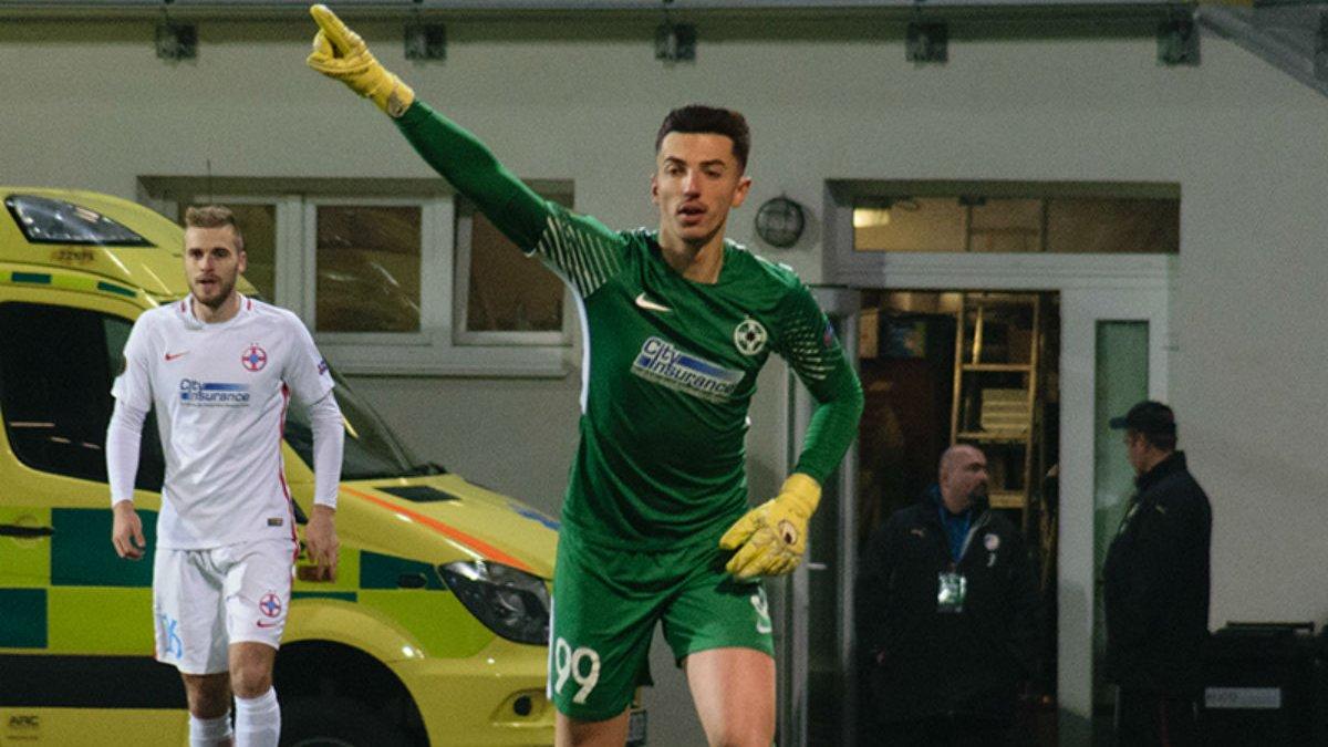 Голкіпер Стяуа втратив свідомість під час матчу Ліги Європи