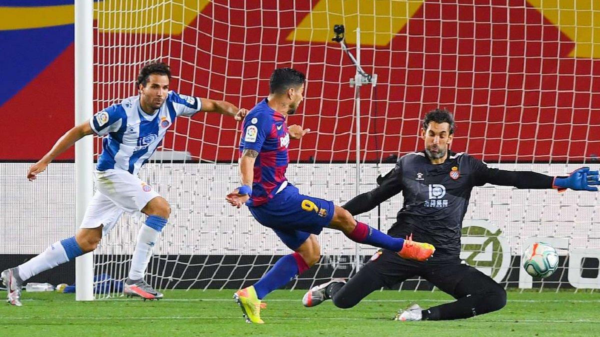 Барселона в матче с двумя удалениями оформила вылет Эспаньола из Ла Лиги