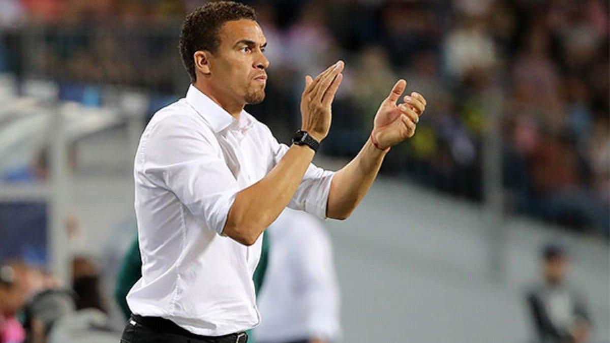 ЛАСК звільняє головного тренера, який повідомив про трансфер Чеберка