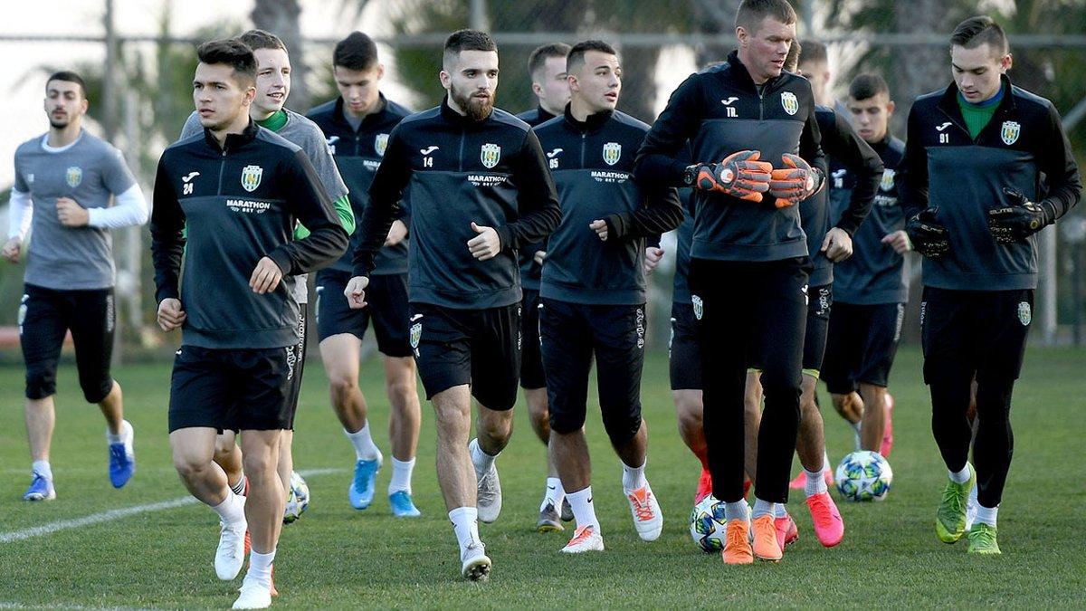 Карпаты отправили всех игроков в досрочный отпуск – клуб попытается получить лицензию для участия в Первой лиге, – СМИ