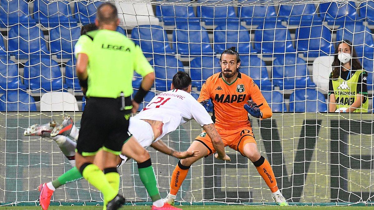 Победный дубль Ибрагимовича в видеообзоре матча против Сассуоло