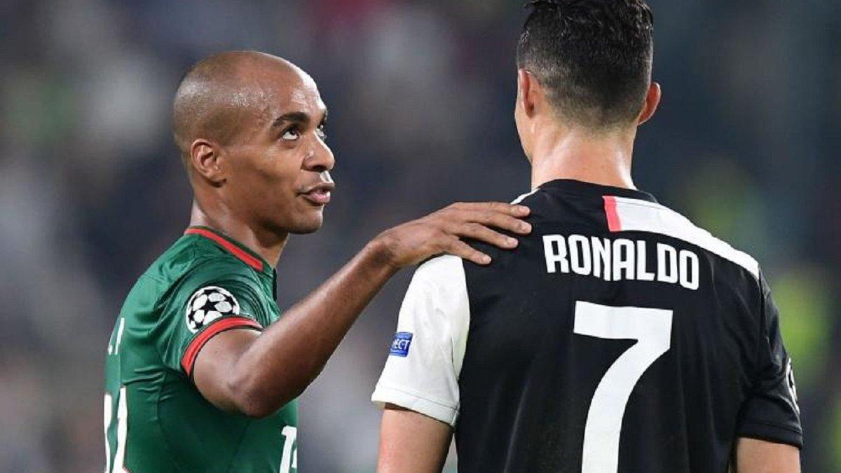 Интер повесил смешной ценник на чемпиона Европы, который провалился в России