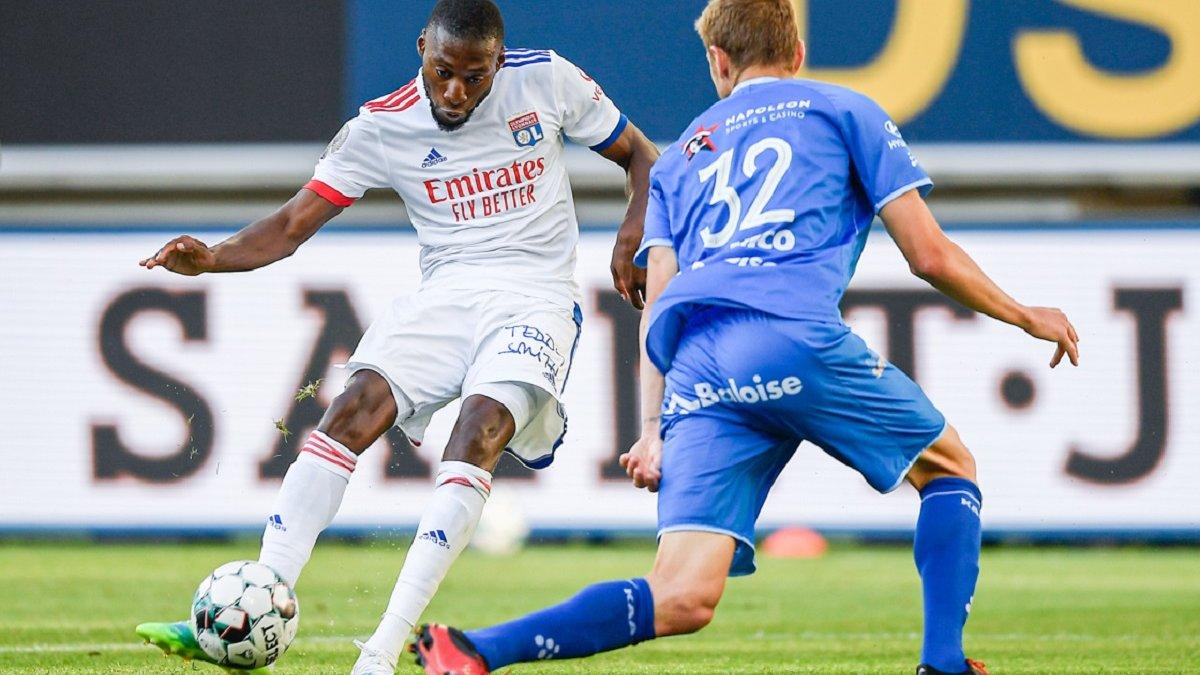 Пластун заробив пенальті, але Гент поступився Ліону в товариському матчі
