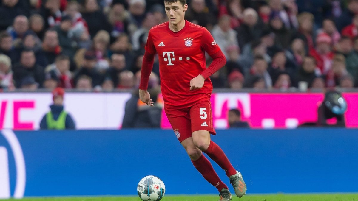 Бавария рискует потерять ключевого защитника на всю Лигу чемпионов