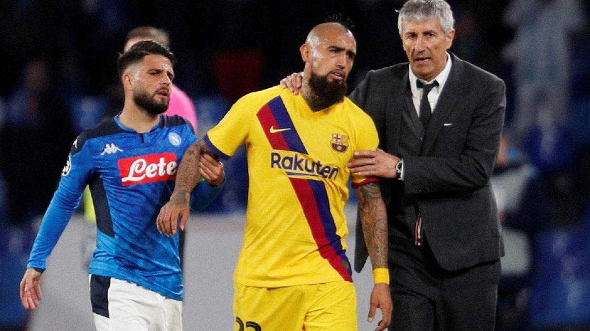 Видаль призвал Барселону решить вопрос с главным тренером