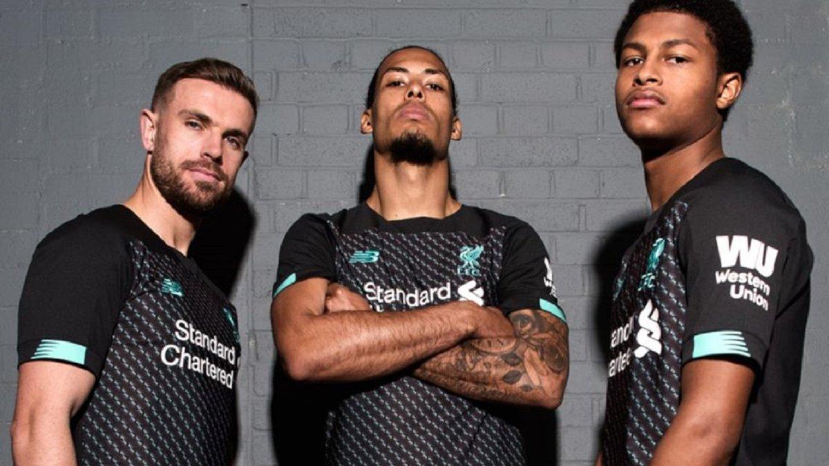 Ліверпуль розробив форму на наступний сезон – Nike сконфузився, зливши фото в мережу