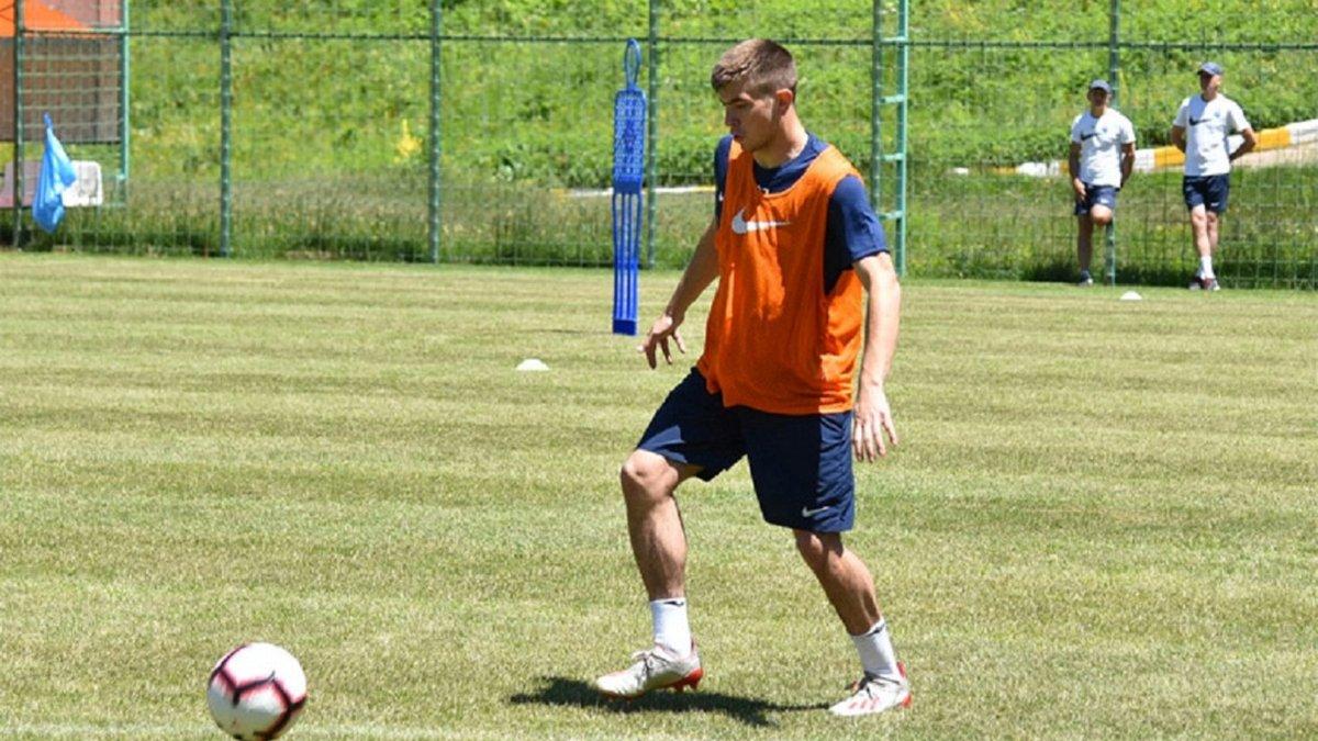 Маріуполь підписав восьмого гравця Шахтаря протягом тижня