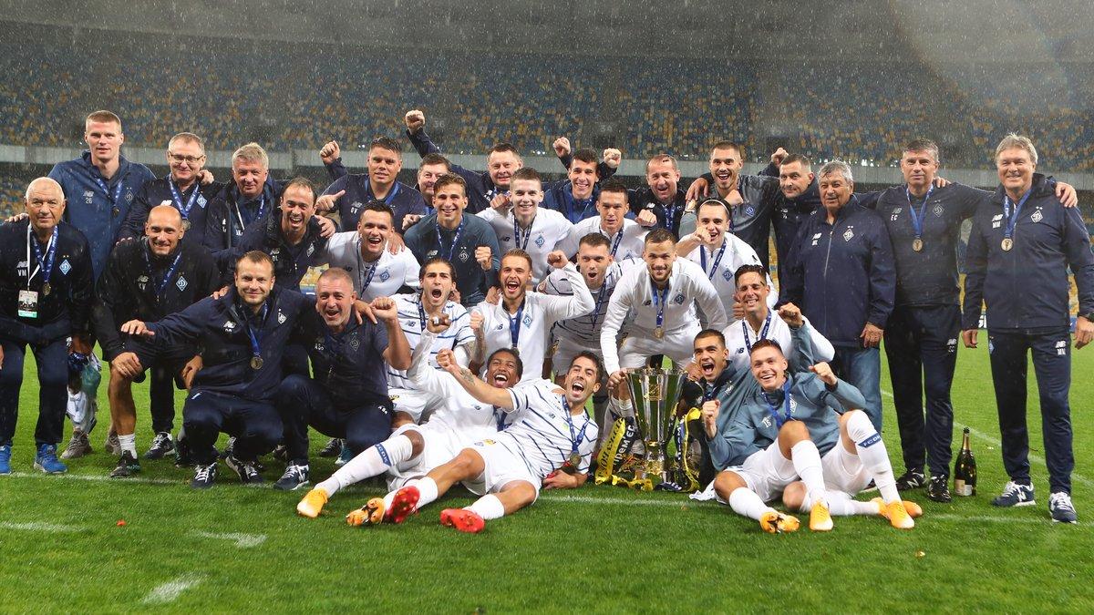 Как Динамо праздновало победу в Суперкубке Украины – улыбка Луческу, сдержанность Суркиса, золотое конфетти и шампанское