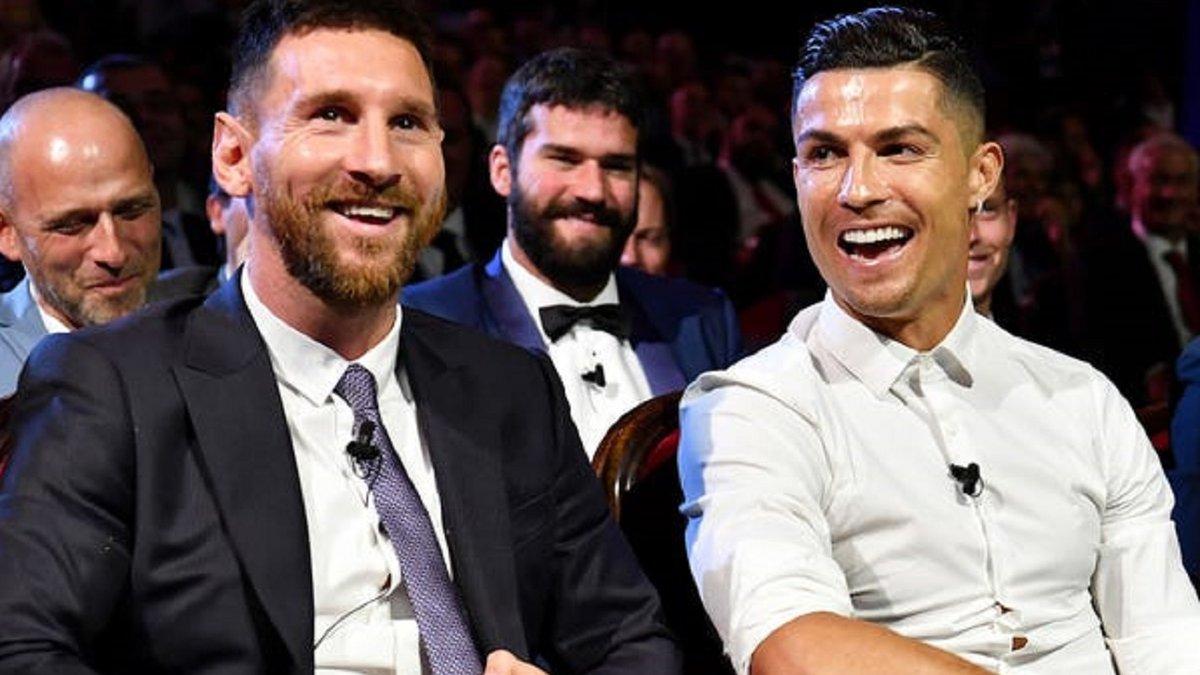 Месси обогнал Роналду в рейтинге сильнейших игроков FIFA 21