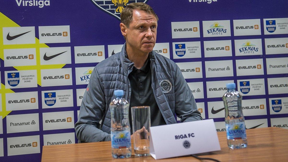 Екс-тренер Карпат Кононов покинув Ригу