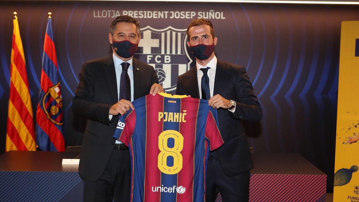Барселона официально представила Пьянича – новичок выбрал культовый номер