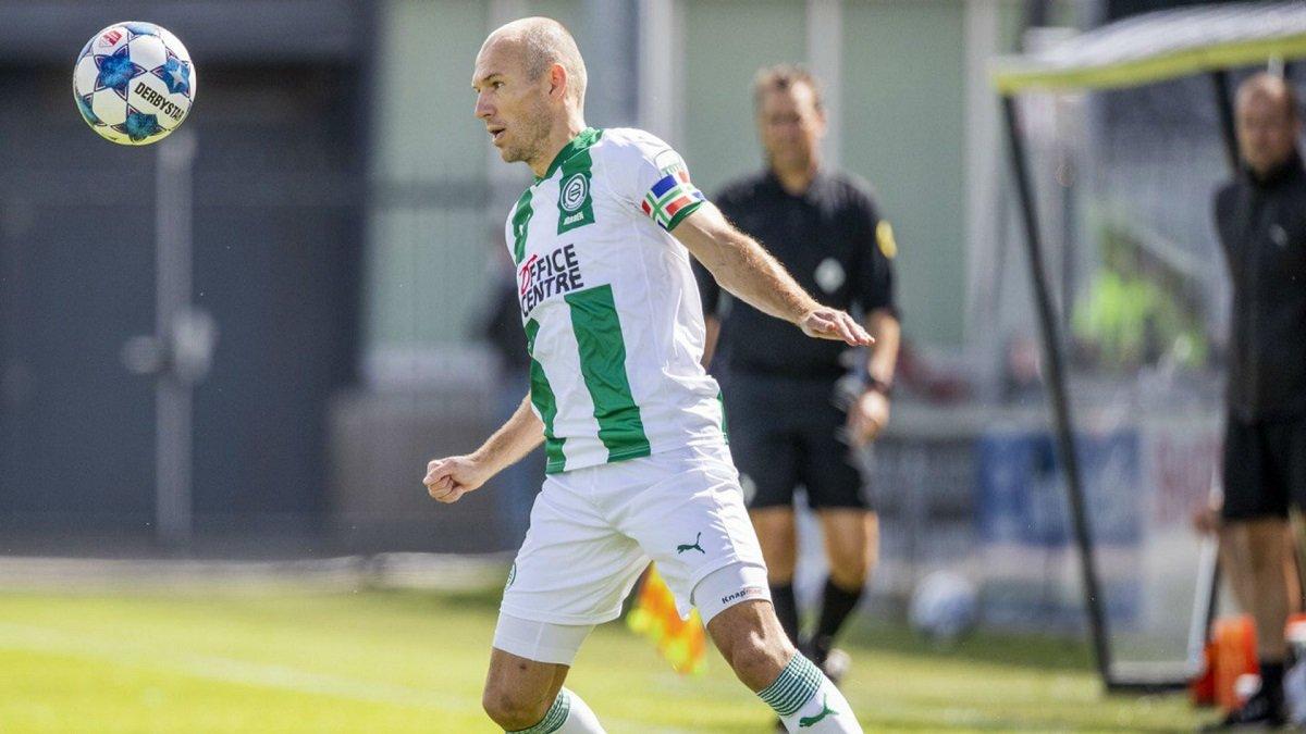 Роббен розповів про своє пошкодження – легенда Баварії травмувався у першому офіційному матчі за Гронінген