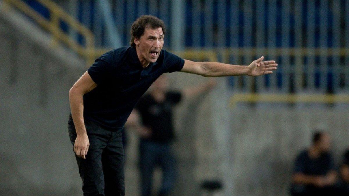 Михайленко подав у відставку з посади головного тренера СК Дніпро-1
