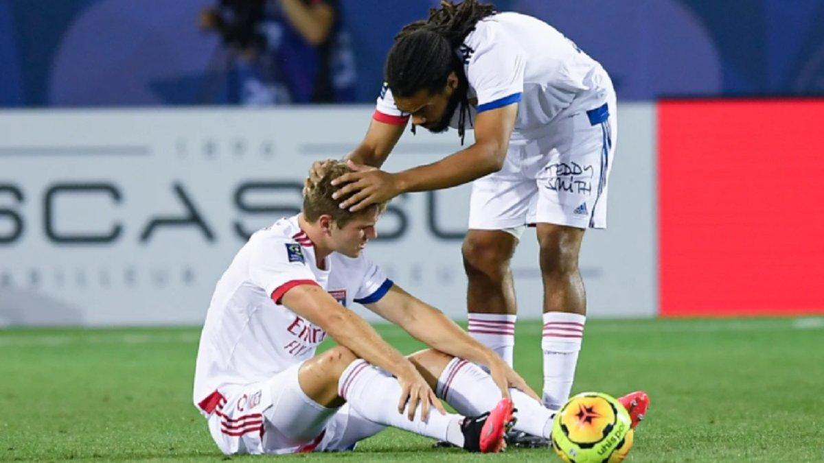 Лига 1: Лион потерял очки в матче с Нимом – подопечные Гарсии приблизились к компании аутсайдеров чемпионата