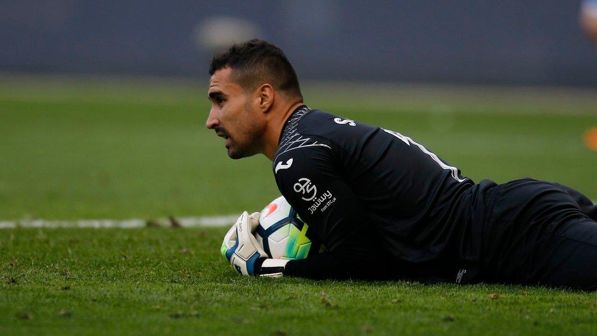 Асенхо пропустил позорный гол от команды экс-динамовца – роковая ошибка надежного вратаря