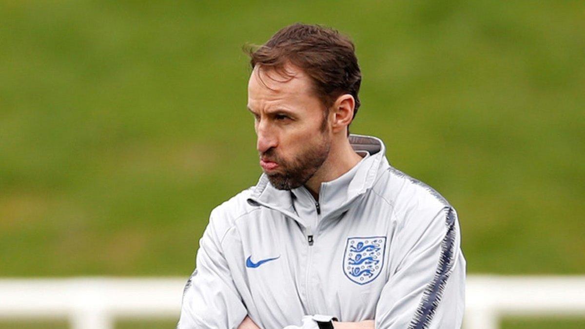 Збірна Англії вкотре стала епіцентром скандалу – троє зірок розлютили Саутгейта зухвалою вечіркою