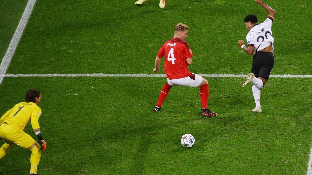 Голевой фестиваль в видеообзоре матча Германия – Швейцария – 3:3